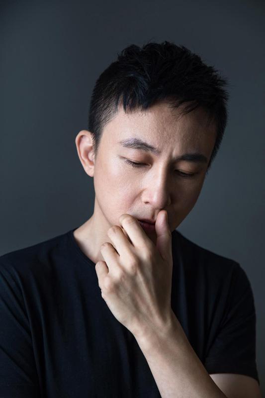 李荣浩推《王牌冤家》MV以80年代为蓝本 质感影像充满梦幻复古氛围资讯生活
